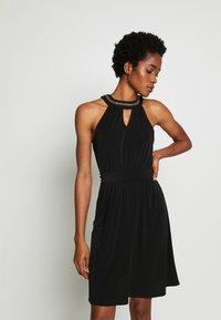 Vila - VIROSA PEARL KEYWHOLE DRESS - Vestido de cóctel - black - 0