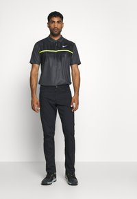 Nike Golf - DRY VAPOR - Funkční triko - smoke grey/black/lemon/white - 1
