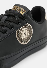 Versace Jeans Couture - Trainers - black - 6