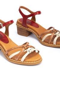 Pikolinos - Sandals - coral - 6