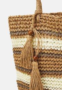 Pieces - PCLEONA SHOPPER - Tote bag - birch - 3