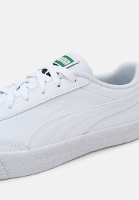 Puma - OSLO VULC UNISEX - Sneakers - white - 6