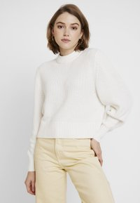 Monki - AGATA BASIC - Strikkegenser - white light - 0