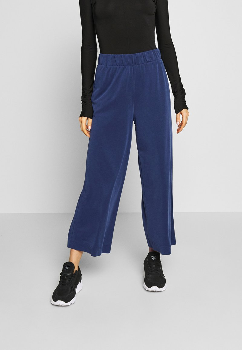 Monki - CILLA FANCY TROUSERS - Trousers - blue dark navy