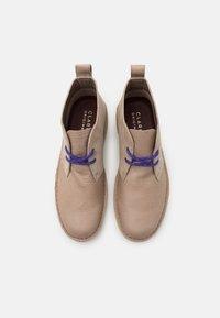 Clarks Originals - DESERT  2.0 - Chaussures à lacets - sand - 3