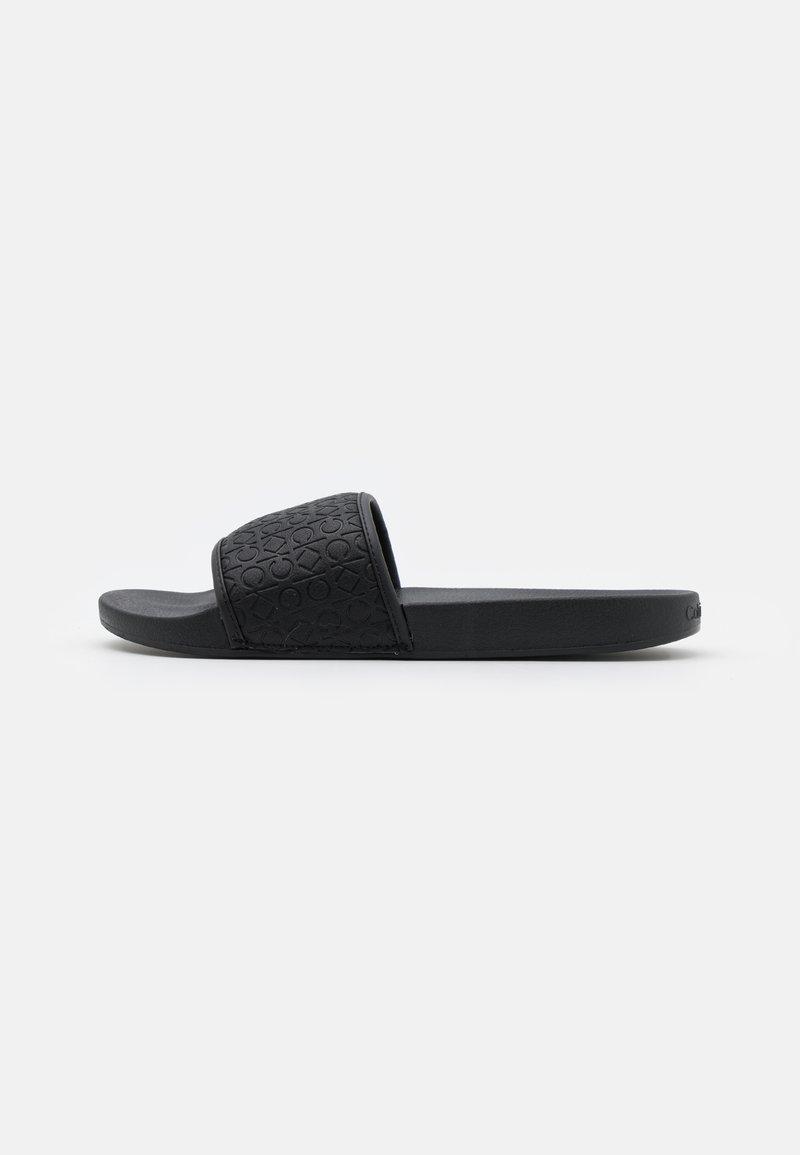 Calvin Klein - SLIDE MONO - Matalakantaiset pistokkaat - black