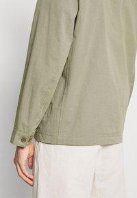 ARKET - LIGHT JACKET - Tunn jacka - khaki green - 5