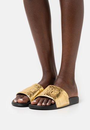Sandaler - gold