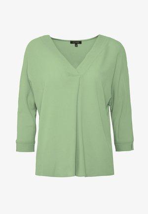 Bluser - soft green