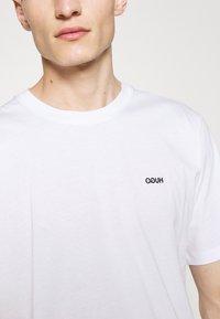 HUGO - DERO - T-shirt - bas - white - 5