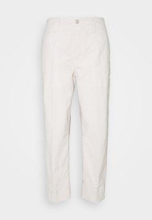 JOSY - Chino - linen white