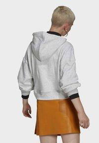 adidas Originals - HOODIE - Hoodie - light grey heather - 2