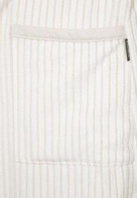 CAWÖ - CARRERA - Dressing gown - weiß/beige - 6