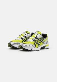 ASICS SportStyle - GEL-1090 UNISEX - Sneakers basse - lime zest/black - 1