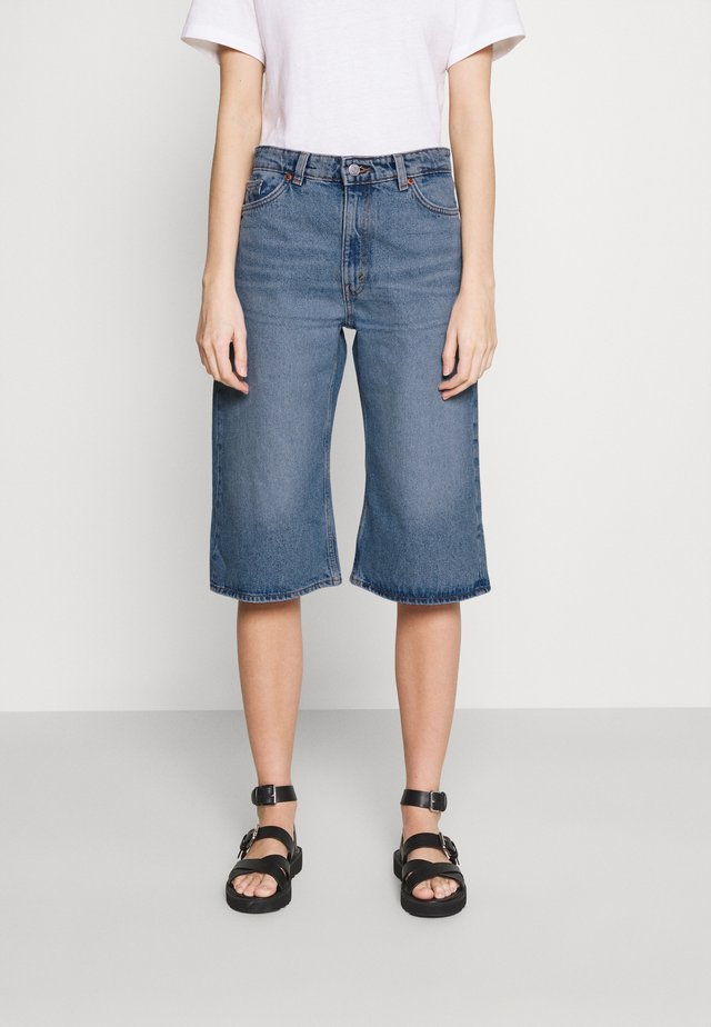 Denim shorts - blue medium dusty