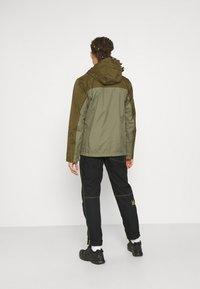 Columbia - POURING ADVENTURE JACKET - Hardshell jacket - stone green/new olive - 2