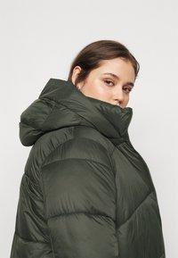 Vero Moda Curve - VMUPSALA LONG JACKET  - Winter coat - peat - 4