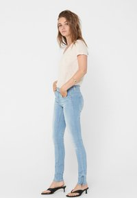ONLY Tall - ONLKENDELL LIFE - Skinny džíny - light blue denim - 3