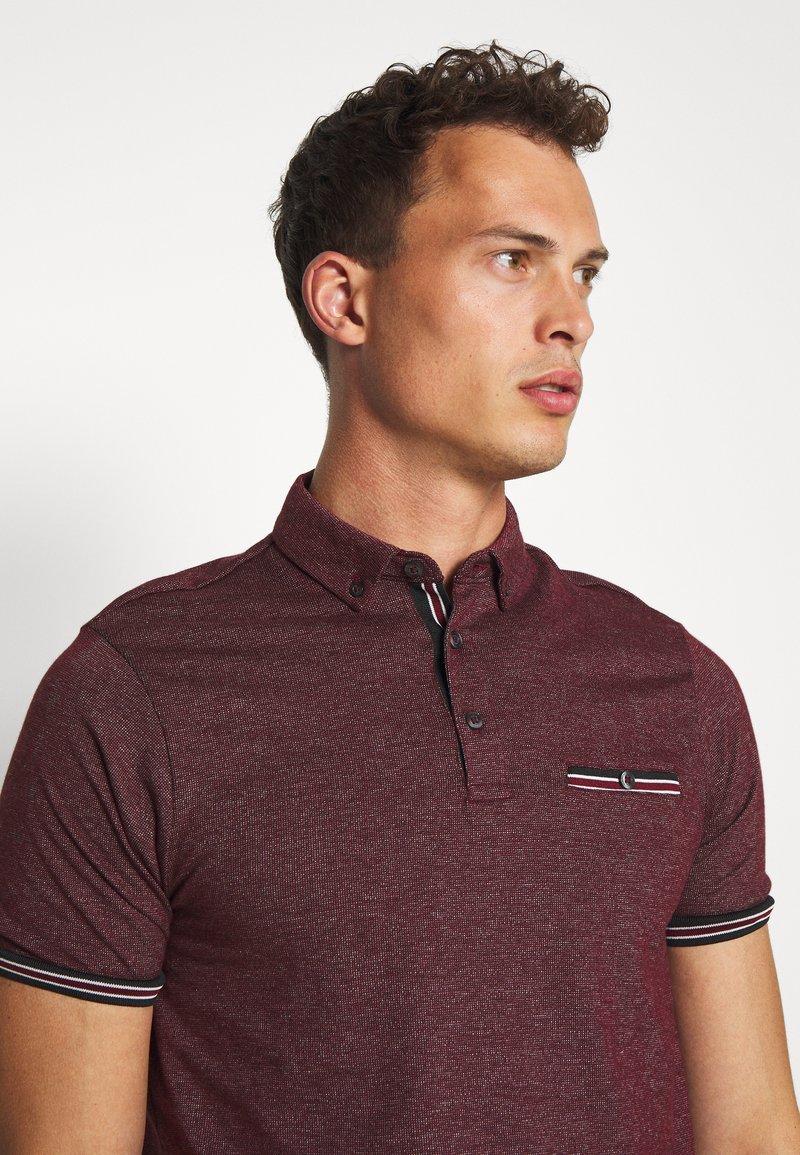 Burton Menswear London - CUFF - Polo shirt - burgundy