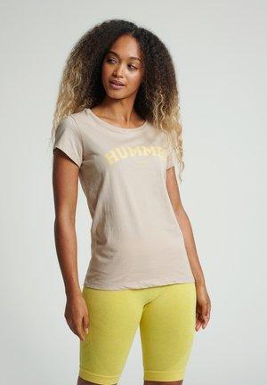 HMLCYRUS - T-shirt imprimé - humus