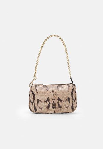 MOON MINI SHOULDER CHAIN - Handbag - toni ballerina