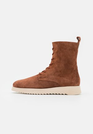 COLIN - Lace-up ankle boots - nut