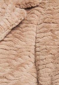 Dorothy Perkins Curve - SHORT WIGGLE - Winter jacket - mink - 6