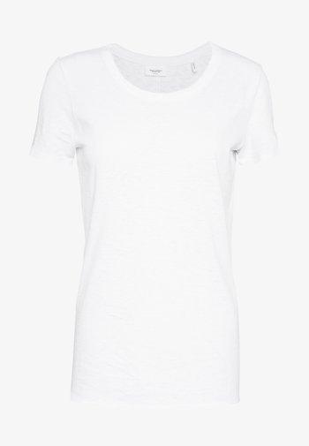 HALFSLEEVE - Jednoduché triko - white