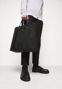 Bally - RHODE UNISEX - Shopping bag - black - 1