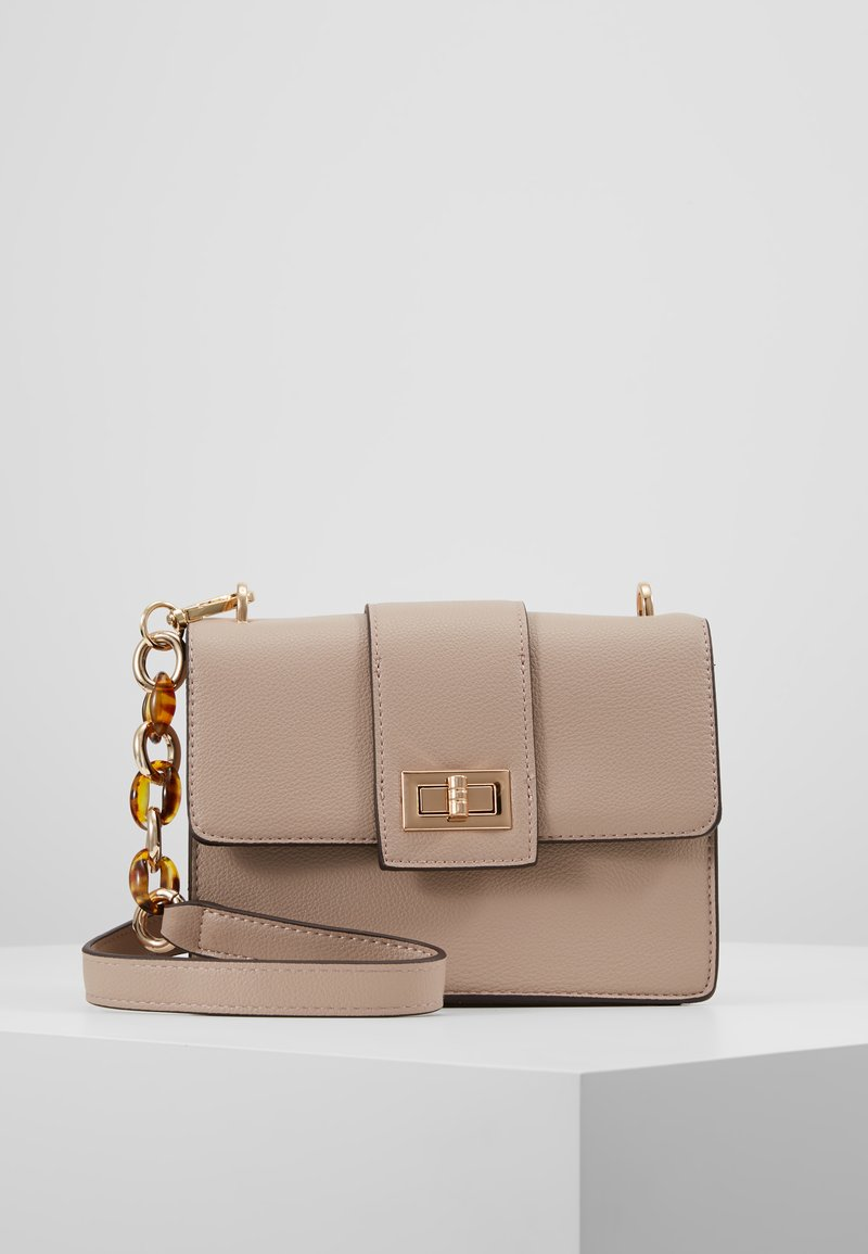Dorothy Perkins - TORT HANDLE CROSSBODY - Sac bandoulière - nude