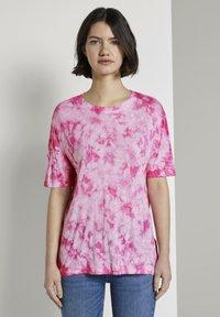 TOM TAILOR DENIM - T-SHIRT BATIK T-SHIRT - Print T-shirt - washed pink - 0