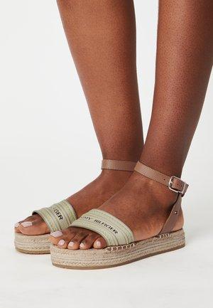 ARTISANAL FLATFORM - Sandals - stone