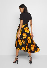 Who What Wear - THE WRAP MIDI SKIRT - A-line skirt - black - 2