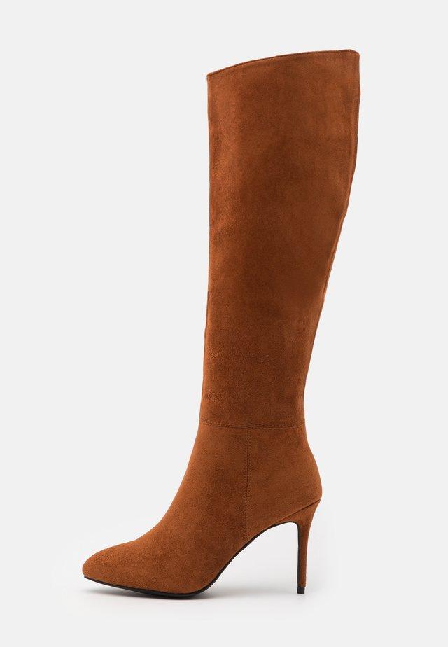 CURZON - Vysoká obuv - tan