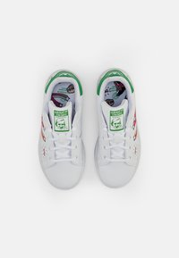 adidas Originals - STAN SMITH - Trainers - white/white/vivid green - 3