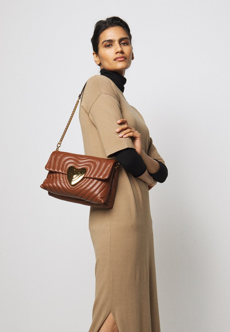 Escada - SHOULDER BAG - Handbag - cognac
