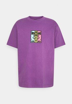DIVIDED - Camiseta estampada - purple nitro