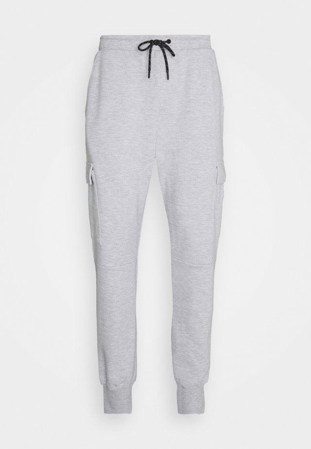 JJIGORDON JJAIR PANTS - Pantaloni cargo - light grey melange