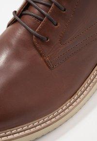 Hudson London - MILLER - Chaussures à lacets - luxor tan - 5