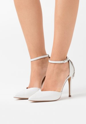 CLEMETIS - High heels - white shimmer