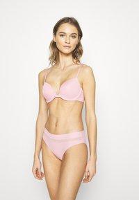 Calvin Klein Underwear - INFINITE FLEX - Underbukse - echo pink - 1