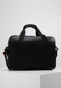 Superdry - FREELOADER LAPTOP BAG - Taška na laptop - black - 2