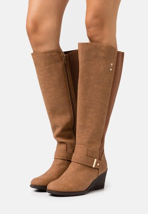 WIDE FIT CICELY - Wedge boots - brown