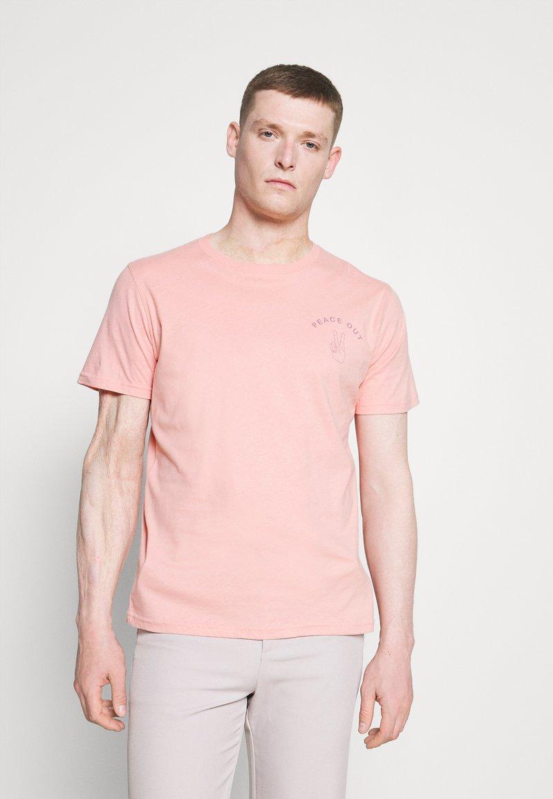 Selected Homme - SLHCARTER O NECK TEE - Print T-shirt - mellow rose