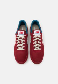New Balance - 720 UNISEX - Trainers - red - 3