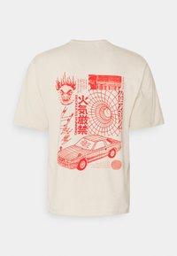 Edwin - TOKYO SABOTAGE UNISEX - Print T-shirt - sand/beige/offwhite - 1