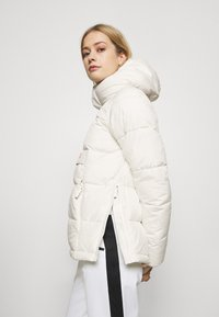 O'Neill - O'RIGINALS - Outdoor jacket - powder white - 4