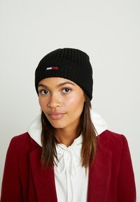 Tommy Jeans - BASIC FLAG BEANIE UNISEX - Muts - black - 3