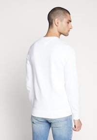Tommy Jeans - ORIGINAL CREW - Sweater - classic white - 2