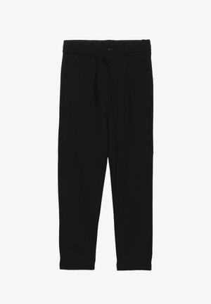 NKFNISHA ANCLE PANT - Trousers - black